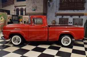 1960 Ford F-100