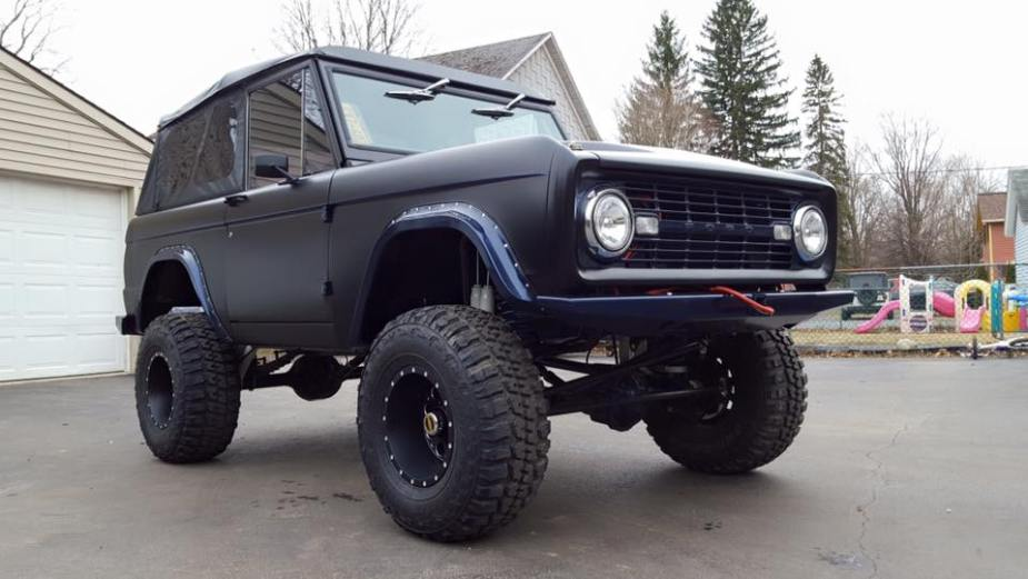 LAL Customs 1974 Bronco