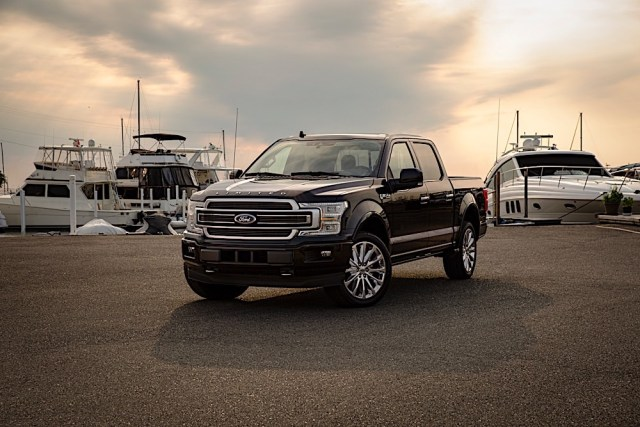 2019 Ford F-150 Limited front three quarter sunset