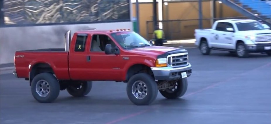 1g Ford F-250 Super Duty in Red