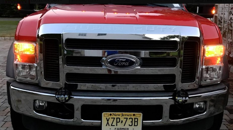 Ford F-550 Front