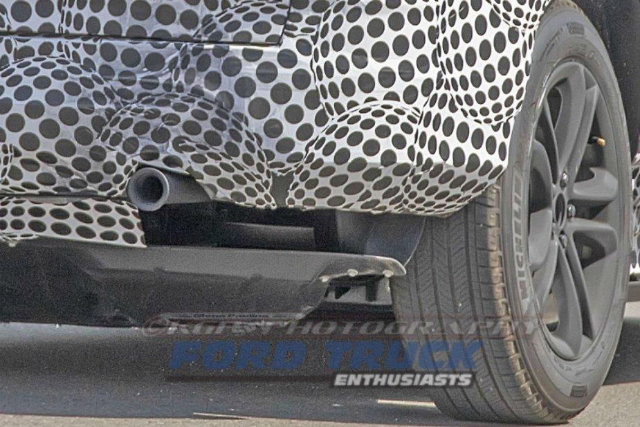 Ford Mach 1 Tailpipe Close