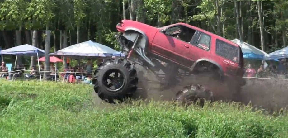 Ford Explorer Wheelie in Mud