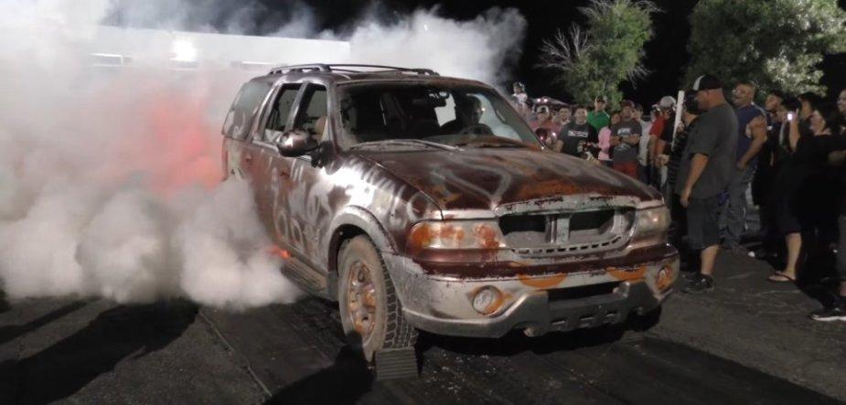 Lincoln Navigator Insane Burnout Start