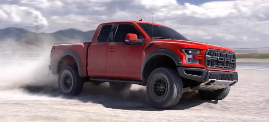 Ford F-150 Raptor Speed Therapy in Dirt