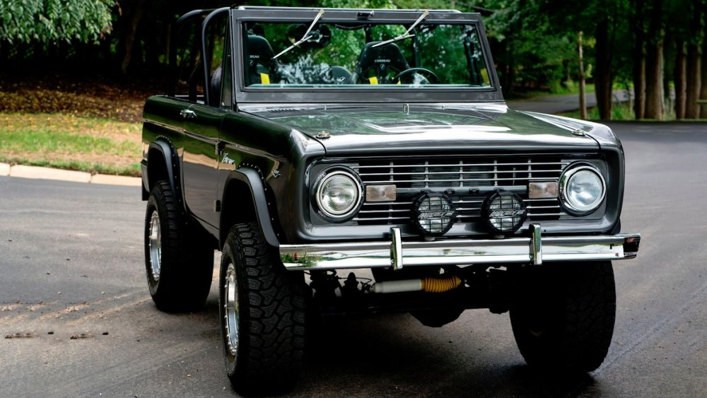 1967 ford bronco looks like the ultimate weekend toy1967 ford bronco front 3 4