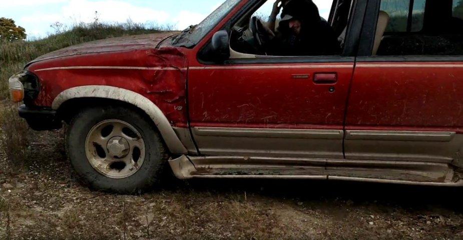 1999 Ford Explorer Damage