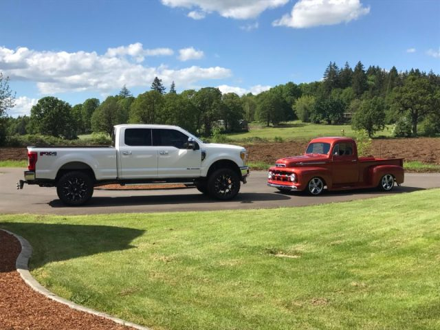 2017 Ford F-350 and 1952 Ford F-1