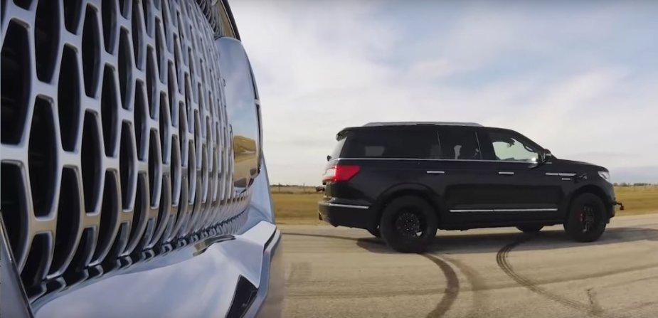 2019 Lincoln Navigator Drag Race Front
