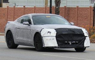 2019 Ford Mustang spy shot