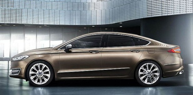 2018 Ford Mondeo Side