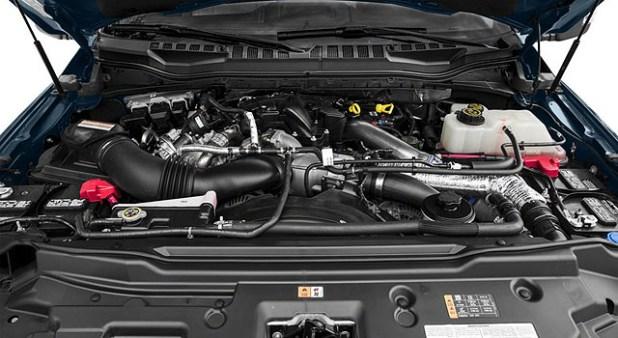 2019 Ford F-450 engine