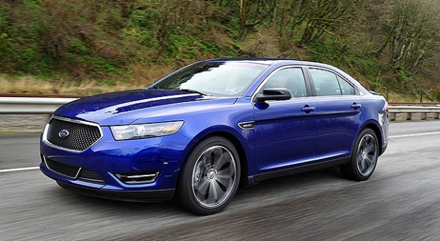 2019 Ford Taurus front side