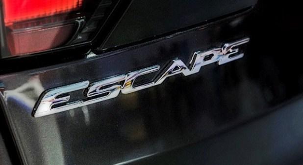2020 Ford Escape sign