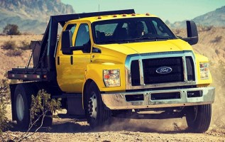 2019 Ford F-650 front