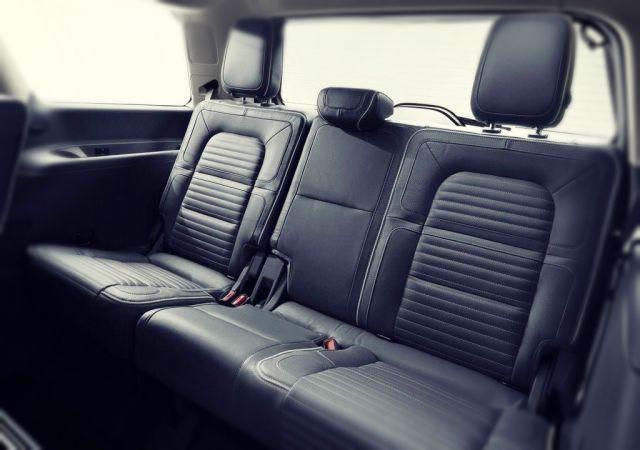 2020 Lincoln Navigator seats