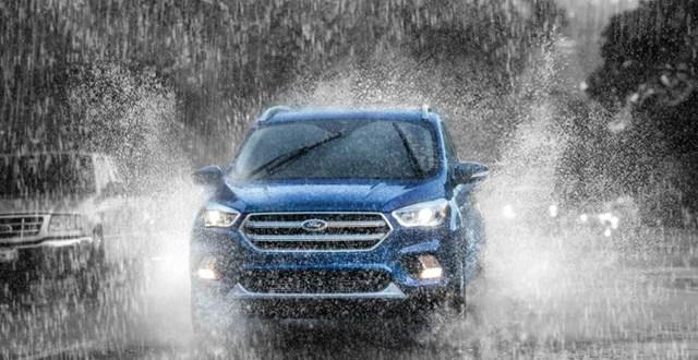 2020 Ford Escape front end