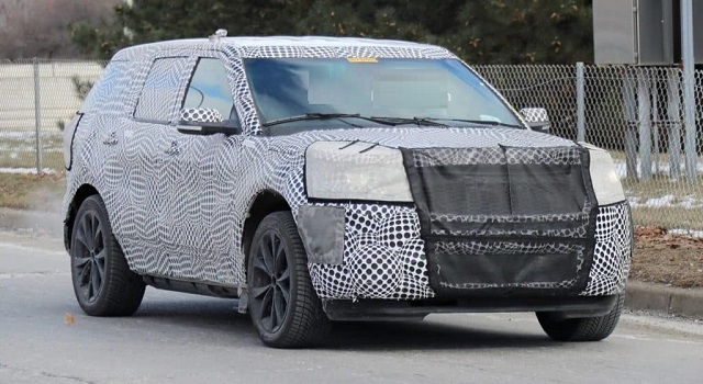 2020 Ford Explorer ST spy shot
