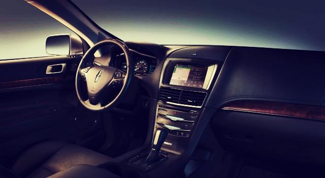 2020 Lincoln MKT interior