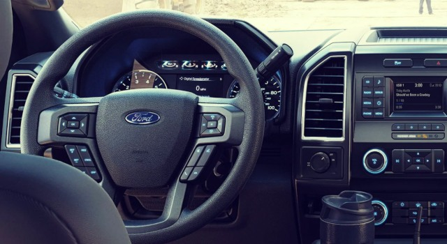 2020 Ford F-550 interior