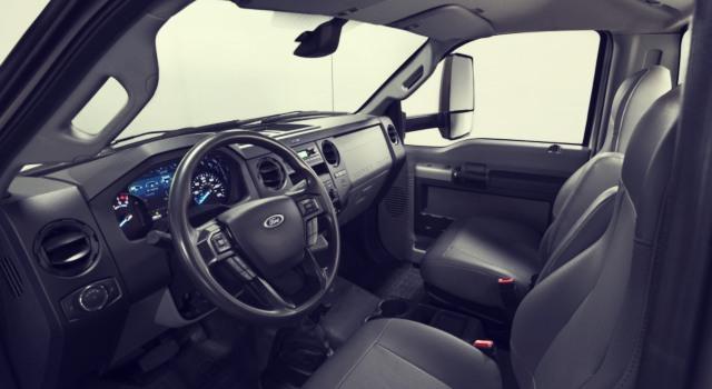 2020 Ford F-600 interior