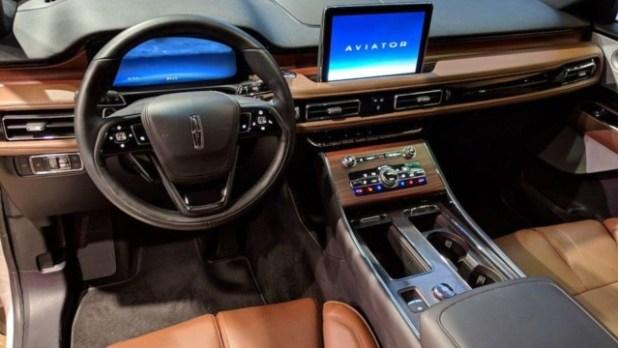 2020 Lincoln Aviator Hybrid interior
