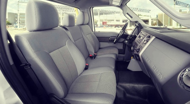 2020 Ford F-750 Interior