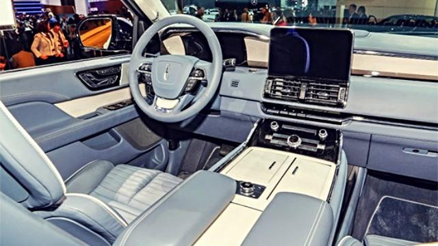2021 Lincoln Town Car interior