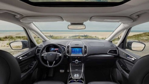 2021 Ford Galaxy interior