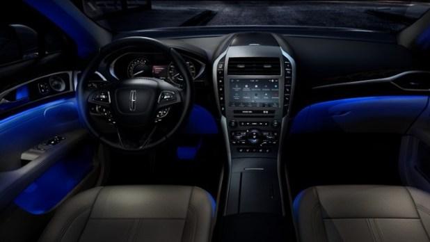 2021 Lincoln Zephyr interior