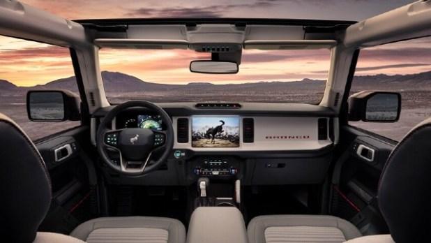 2022 Ford Bronco Raptor interior