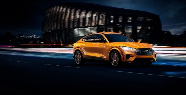 2022 Ford Mustang Mach-E Premium