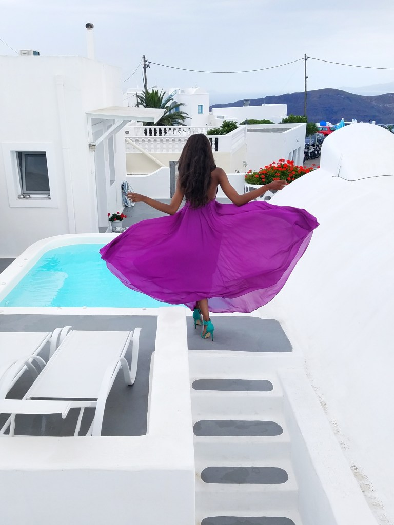 The Best Affordable Cave Hotel – Ayoba Santorini Greece