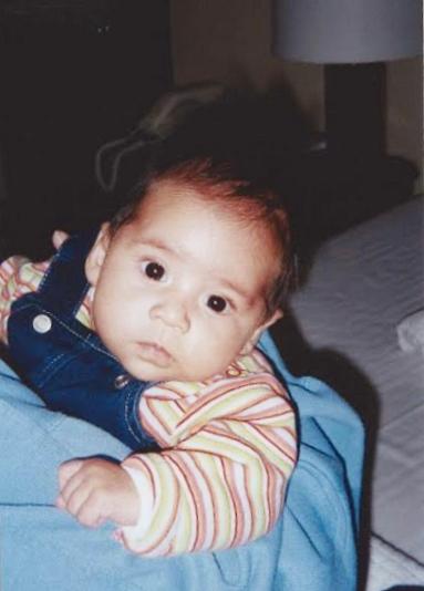 Bildet av Alma Gabriela er tatt sommeren 2001 i Colombia. Her er hun ca. 8 uker gammel