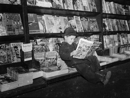 A 1942 newsstand, location unknown, courtesy of PulpMags.org.