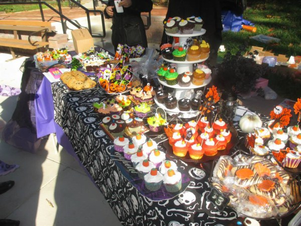 FH playground Halloween Bake sale 2
