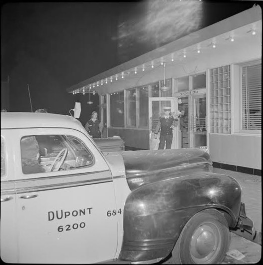Curb service at our local Hot Shoppes, 1942 (Library of Congress)