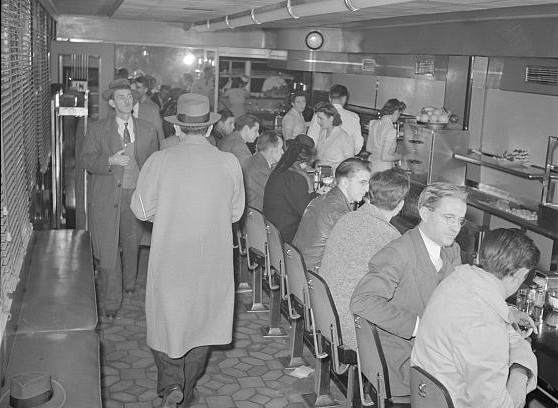 A busy lunch counter at the Hot Shoppes on Connecticut Avenue, December 1941. (Library of Congress photo)