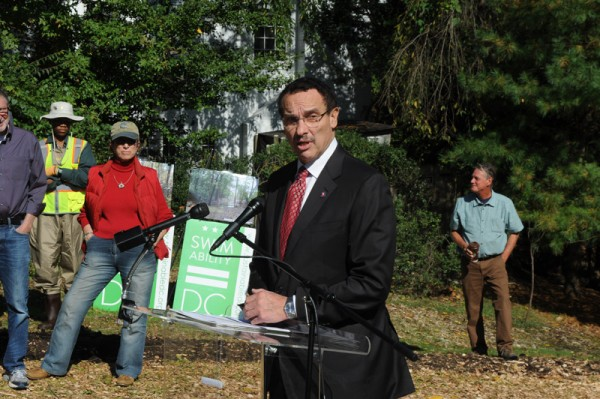 Mayor Gray speaks at the grand opening of the Broad Branch and Linnean streams.(photo credit: Mayor's Office)