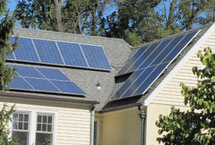 A solar roof in Chevy Chase, DC. (photo by Janean Mann)