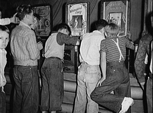 The 1958 zoning code regulates penny arcades. (photo from the Library of Congress)