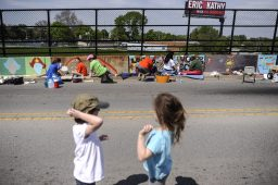 Some 114 artists packed the Circle Avenue bridge Saturday morning and afternoon. | William Camargo/Staff Photographer