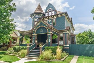 The Lobstein house was built in the 1890s by a lumber mill magnate. | Courtesy Roz Byrne