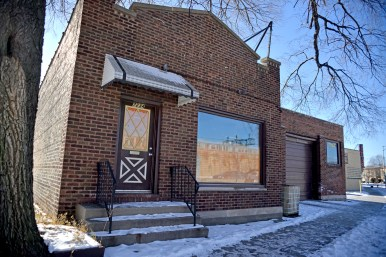 The vacant building at 7234 Circle Avenue. | Alexa Rogals/Staff Photographer