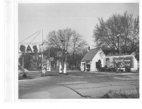 Refiners Pride, at 7323 Randolph, was a popular place for gas and the Little Store was a quick place to pick up groceries.