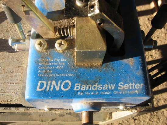 Bandsaw Tooth Setter