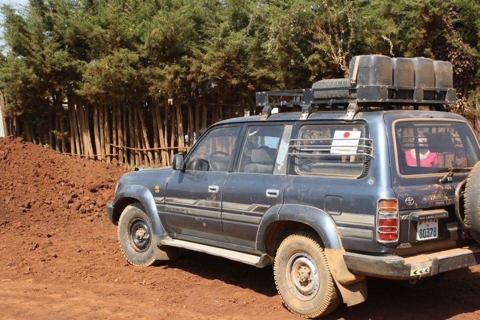 The land cruiser we rented, and yes it's on the road. Our driver Tamasgen was great!