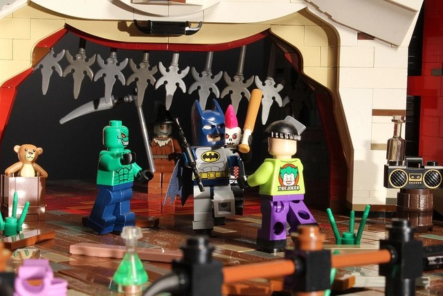 LEGO Batman and Robin Closer