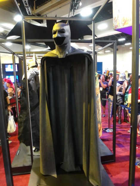 SDCC 214 - Batman V Superman Affleck cape and cowl