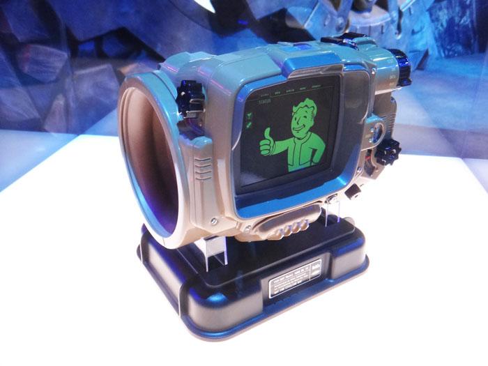 E3 2015 Fallout 4 PIP Boy